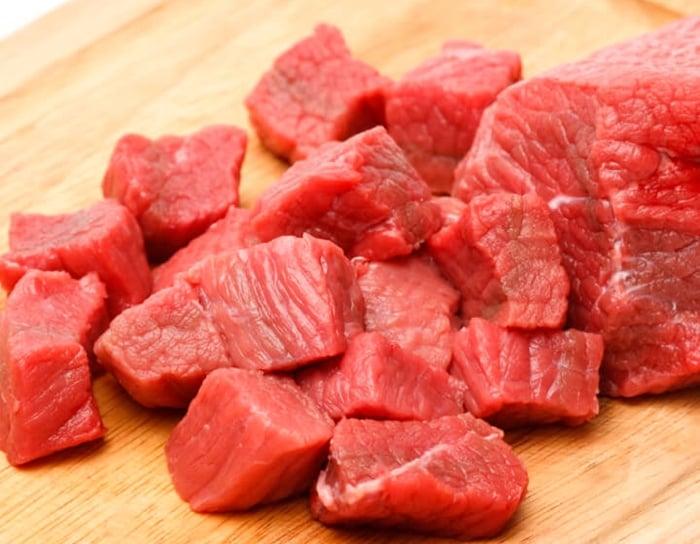 cortar carne para espetinho